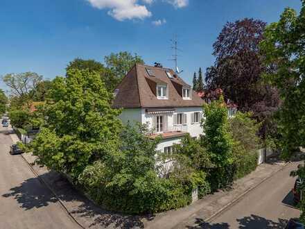 1 Grund mehr. - Sehr charmante 1930-er-Jahre-Altbauvilla in idyllischer Lage von München-Harlaching