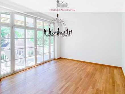 Helle 4-Zimmer-Wohnung mit drei Balkonen. Frisch renoviert, mit Sauna!