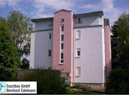 Gemütlich ruhige 2-Zimmer-Wohnung mit Blick ins Grüne und 2 schönen Balkonen