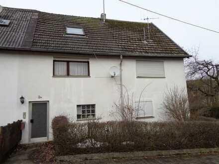 Einfamilienhaus mit Garage und Nebengebäude großes Grundstück, für den Käufer Provisionsfrei
