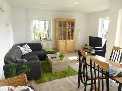 Ruhige Wohnung in kinderfreundlicher Lage sucht kleine Familie