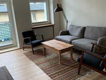 Bild_Erstbezug nach Sanierung. Möbliert mit EBK und Balkon: schöne 2-Zimmer-Wohnung 3min vom Schloss
