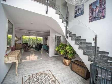 Moderne lichtdurchflutete Stadt-Villa im Passivhausstandard