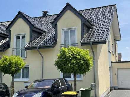 Gepflegte 5-Raum-Wohnung mit Balkon und Dachterrasse in Lohmar
