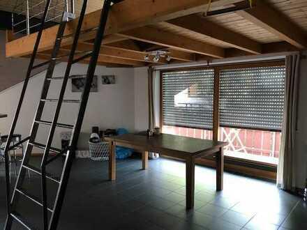 Schöne 3-Raum-DG-Wohnung mit EBK und Balkon in Erbach
