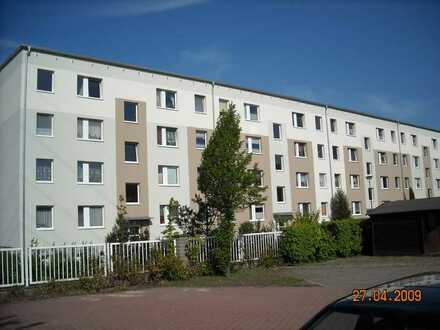 Gepflegte 3-Raum-Wohnung mit Balkon und Einbauküche in Hennigsdorf