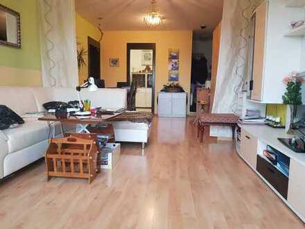 Gepflegte 2-Zimmer-Penthouse-Wohnung mit Balkon und EBK in Offenburg
