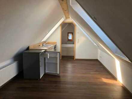 DG Wohnung mit Einbauküche und Bad