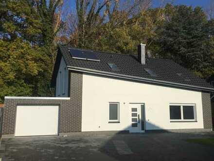 Exzellentes NEUBAU-Einfamilienhaus - Bezugsfertig - Waldrandlage mit Garage!