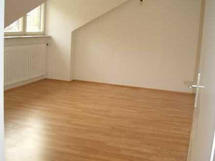 Helles 1-Zimmerappartement DG (provisionsfrei)