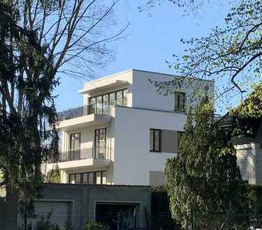 Traumhafte Penthouse-Wohnung mit Dachterrasse und Balkon