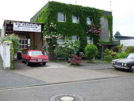 Arbeiten und Wohnen an einem Ort. Werkstatt Halle Büro mit 75qm Wohnung