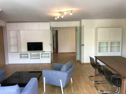 Vollmöblierte 5-Zimmer-Maisonette-Wohnung mit Rheinblick