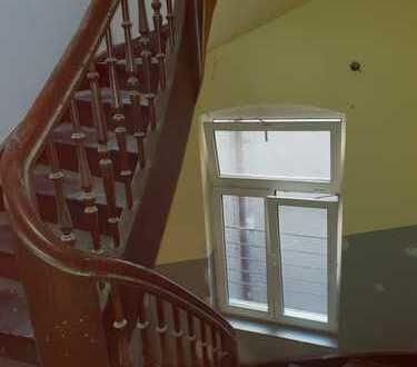 Wir haben Ihr Zuhause! Für 4er Studenten WG, Erstbezug nach Komplettsanierung- 5 Zimmer Wohnung!