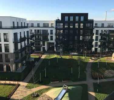 Schöne 2-Zi-Dachgeschosswohnung, sehr große Terrasse, EBK in Karlshorst, Besichtigung- Vereinbarung