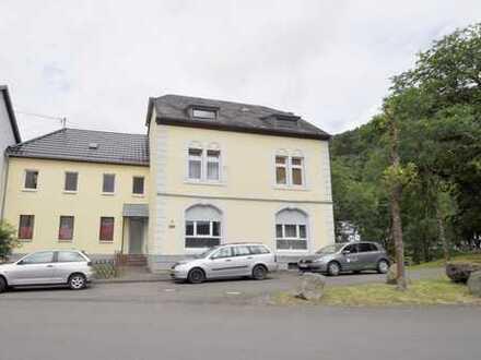 Birresborn: Sanierungsbedürftige Dachgeschosswohnung im Herzen der Vulkaneifel zu verkaufen