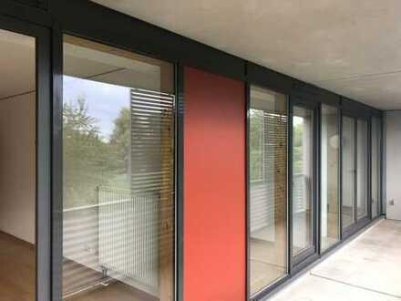 Perfekte 4 Z-Familienwohnung sofort beziehbar (von privat)/ EBK/ 2 Balkone/Parkett/sehr hell