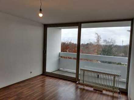 Helle 3-Zimmer-Wohnung mit drei Ostbalkonen, geeignet zur WG-Gründung