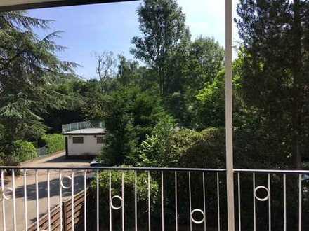 Gepflegte 3,5-4,5-Zimmer-Wohnung in Essen-Steele mit Balkon mit Blick ins Grüne!