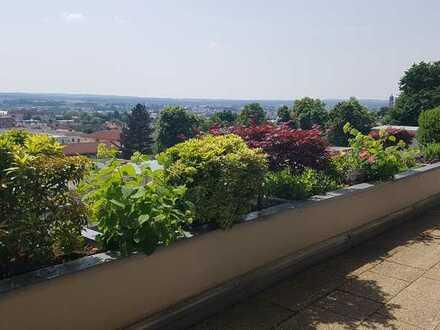 Zentrumsnahe Terrassenwohnung mit traumhaftem Panoramablick über Amberg