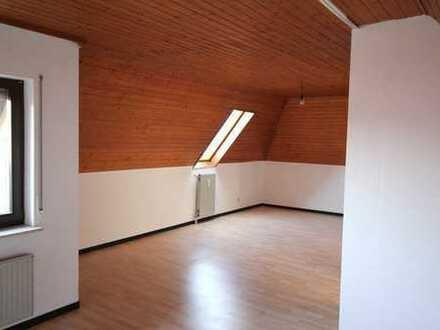 Schicke 1,5 Zimmer Dachgeschosswohnung zu vermieten