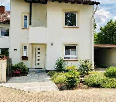 Geschmackvolles Architektenhaus in sehr guter Lage von Hochheim!