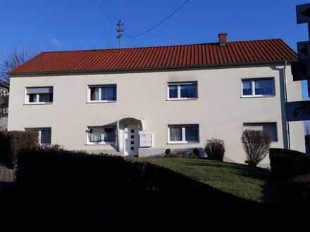 Erdgeschosswohnung in gepflegtem MFH, 3 Zimmer + Küche + Bad, 68 QM in Niederkirchen bei KL