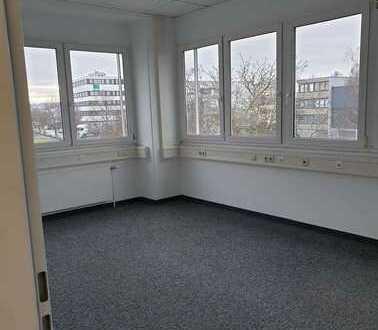 Bürofläche in verkehrsgünstiger Lage zu vermieten / Direkt vom Eigentümer