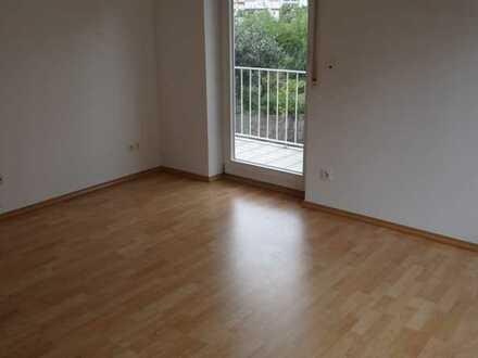 Nachmieter für 2,5-Zimmer-Wohnung mit Balkon in Lauf gesucht