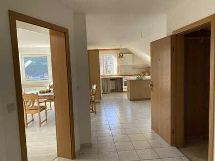 Helle 3-Zimmer-Wohnung mit Balkon und EBK in Tieringen