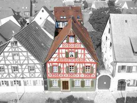 2-Familienhaus + Geschäftshaus mit 4,5 % Rendite!