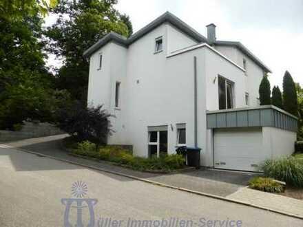 Doppelhaushälfte in schöner Stadt- und Waldrandlage von Homburg