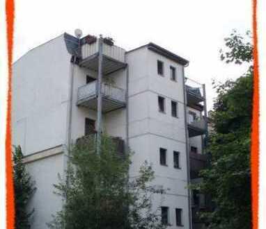Schöne 2-Zi. Wohnung mit BALKON in zentrumsnaher Lage