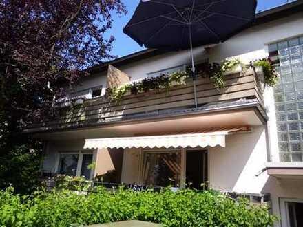 Gemütliche 1 Zimmer-Wohnung mit Kochnische und Balkon in Wiesbaden-Schierstein