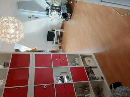 Helles, großes WG-Zimmer in Dresden/Striesen zu vermieten