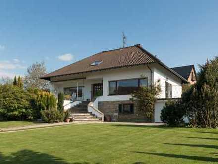 Repräsentatives Einfamilienhaus mit unverbaubarem Blick
