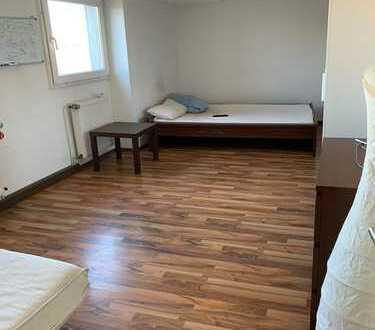 Exklusive 2-Zimmer-Wohnung mit Einbauküche in Sülz, Köln