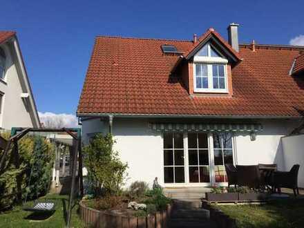 Wunderschöne 8-Zimmer-Doppelhaushälfte mit Einbauküche in Mainz-Drais