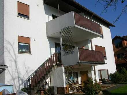 Schöne, helle 5 Zimmer Wohnung mit zwei Balkonen ab sofort