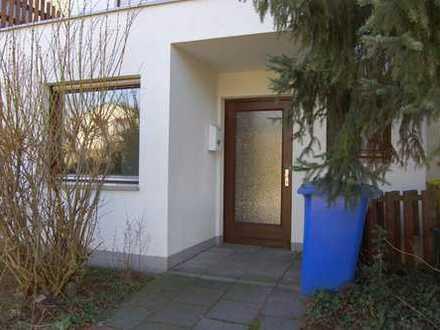 Schönes Haus mit vier Zimmern in Bonn, Beuel