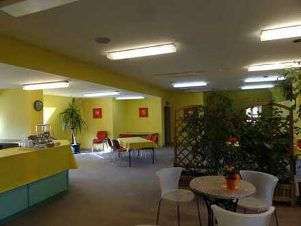 Fläche für Praxis / Büro / Pflegeeinrichtung auf ca. 400 m² - nähe Tagesklinik und Arztpraxen