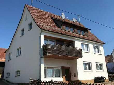 Teilweise modernisiertes Mehrfamilienhaus mit 3 Einheiten im Herzen von Pfalzgrafenweiler-Bösingen