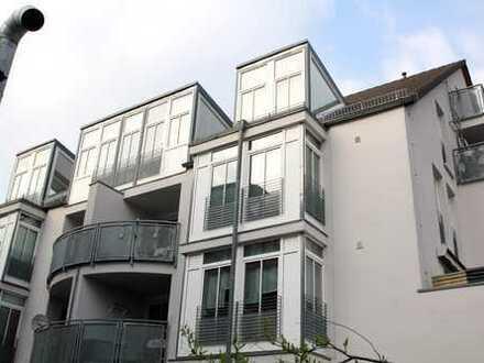 +++modernes Wohnen......helle Maisonette mit viel Glas+++