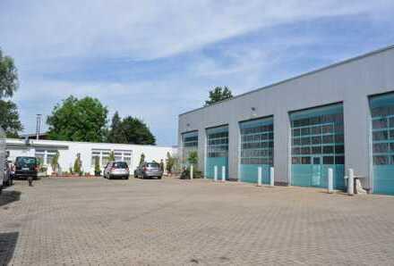 Gewerbehalle mit Büro- / Sozialräumen und Wohnteil- nebst Freiflächen - in Top- Zustand !