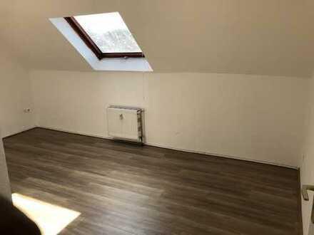 günstige Wohnung im Dachgeschoss