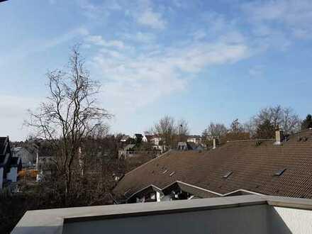 Helle 4-Zimmer-Wohnung mit Balkonen im Essener Süden