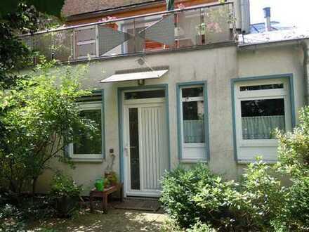 Maisonette/Loft: Offenes Wohnen mit eigenem Garten und Dachterrasse im ruhigen, sicheren Innenhof