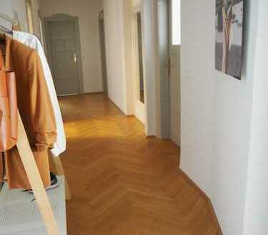 Möbliertes, großes Zimmer, 72qm Wohnfläche, hochwertige Ausstattung - für Berufstätige