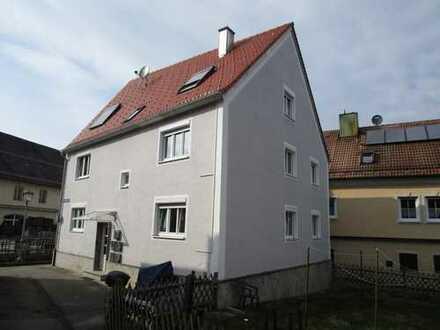 Hübsche EG-Wohnung ; 4-Zimmer - Stadtmitte