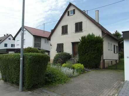 Privatverkauf: Älteres freistehendes Haus mit großem Garten in Holzgerlingen